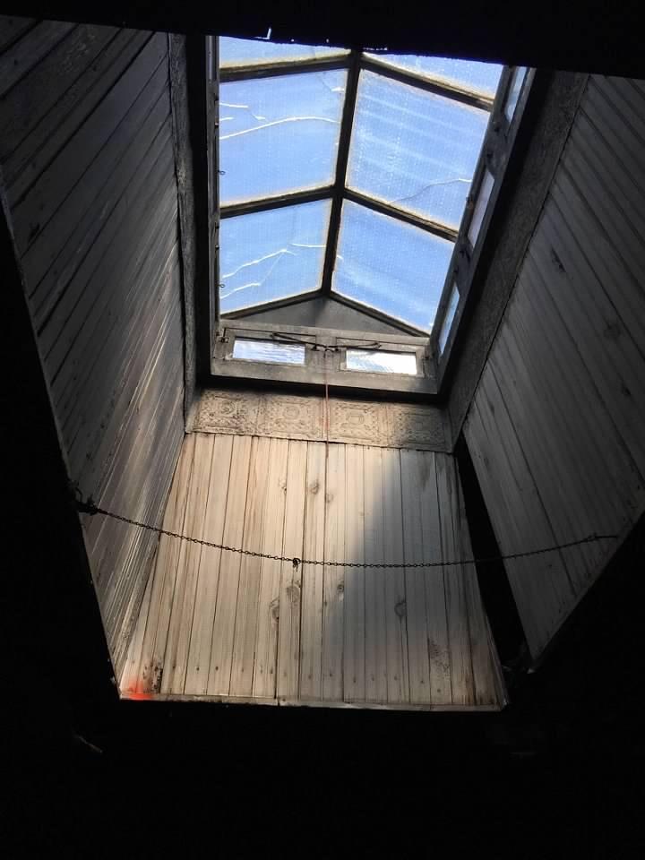 Skylight in 217 Barnes